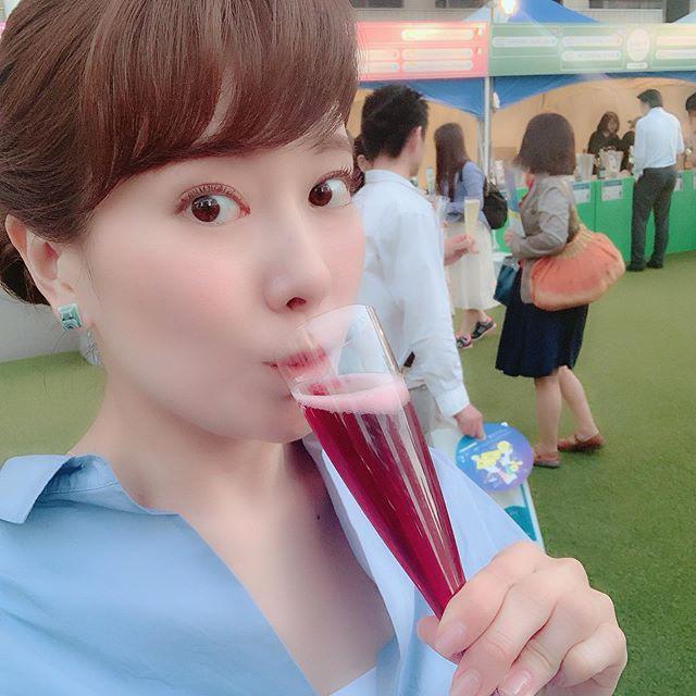"""""""泡""""をたしなむ。 """"泡""""って言うのが、なんかかっこいいですよね!笑笑すみません、言いたいだけでした(o^^o)#泡#イコール#スパークリングワイン#福岡市 #天神#福岡市役所西側ふれあい広場 #スパークリングワインの祭典#フェスタディスプマンテ#福岡の新たな夏の風物詩#泡を嗜む"""